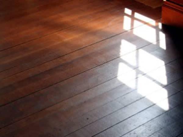 vernici-in-commercio-per-legno-modena